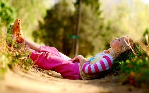 nature photography kids children summer sunlight relaxing striped clothing 2560x1600 wallpaper_www.wallpaperfo.com_67
